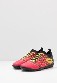 Lotto - MAESTRO 700 II TF - Chaussures de foot multicrampons - calypso pink/acacia green/all black - 2