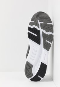 Lotto - SPEEDRIDE 600 VI - Chaussures de running neutres - all black/gravity titan/light asphalt - 4