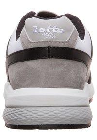 Lotto - MARATHON  - Sneakers basse - vapor gray / white / cool gray - 4