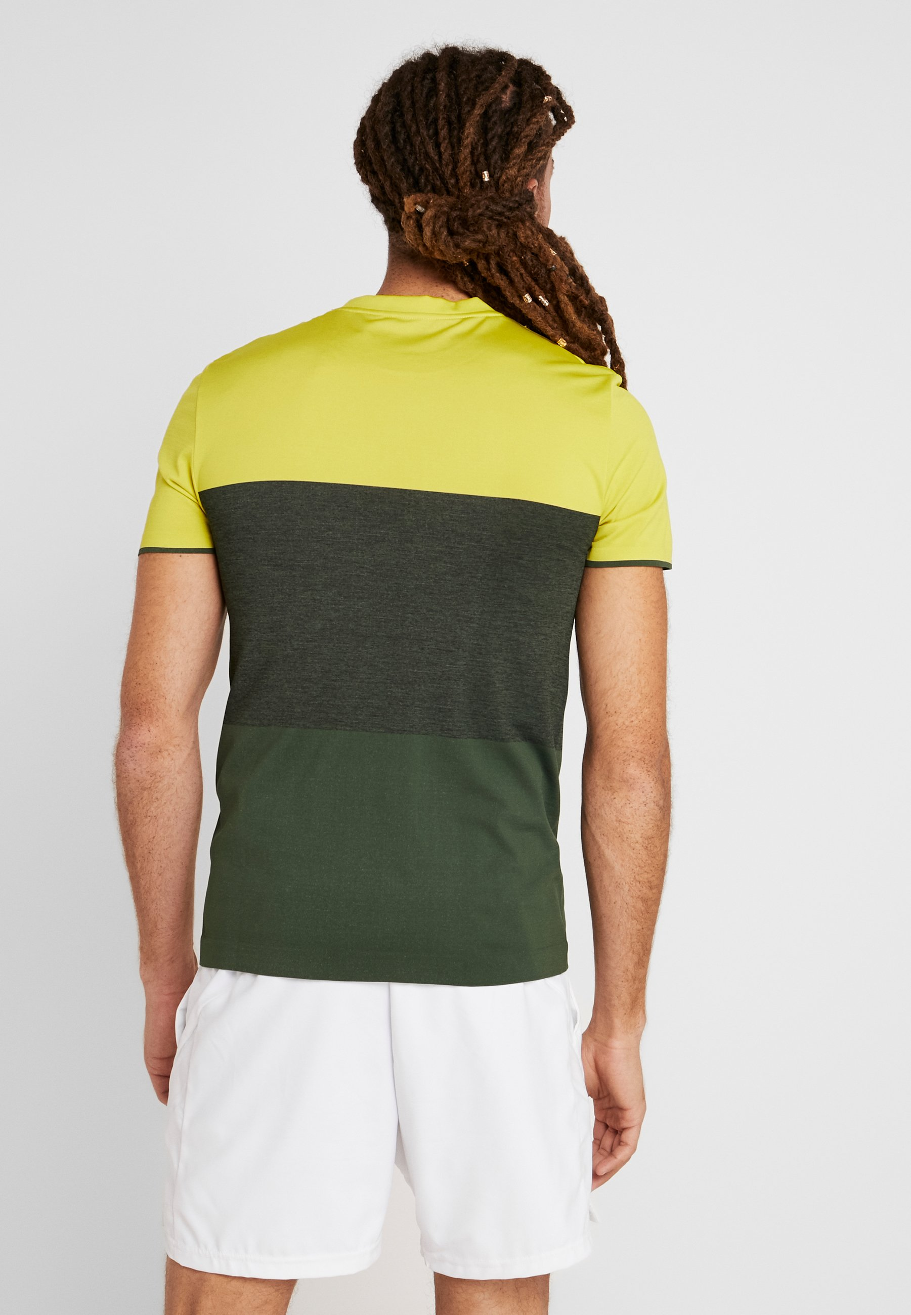 Lotto TENNIS TECH TEE - T-shirt imprimé apple green/green resin