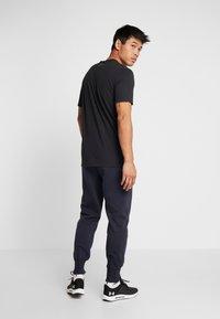 Lotto - DELTA PANT  - Pantalon de survêtement - navy blue - 2