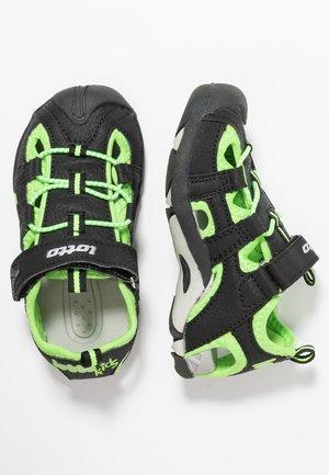 SUMATRA III - Chodecké sandály - black/green gecko