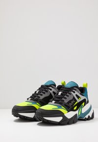 Michael Kors - NICK - Sneakers laag - neon lemon - 2