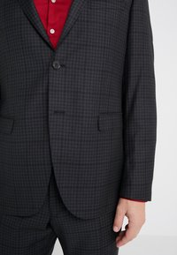 Michael Kors - SLIM FIT CHECK SUIT - Traje - dark grey - 5