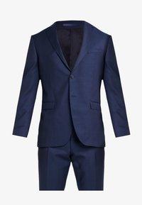 Michael Kors - SLIM FIT SOLID SUIT - Oblek - blue - 11