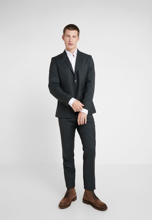SLIM FIT SOLID SUIT - Kostuum - green