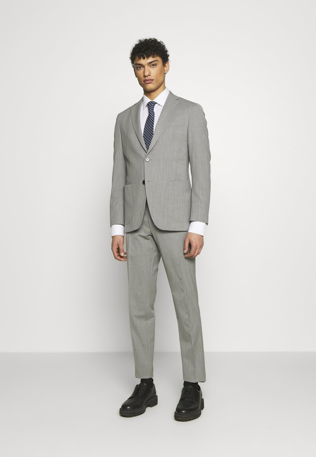 SLIM FIT SUIT - Kostuum - grey