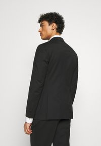 Michael Kors - SLIM FIT SUIT - Costume - black - 3