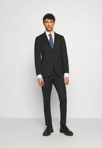 Michael Kors - SLIM FIT SUIT - Costume - black - 0
