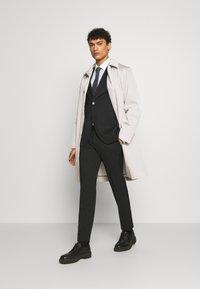 Michael Kors - SLIM FIT SUIT - Costume - black - 1