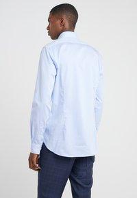 Michael Kors - PARMA SLIM FIT  - Formal shirt - light blue - 2