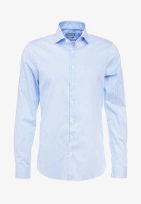 Michael Kors - PARMA SLIM FIT  - Formal shirt - light blue - 4