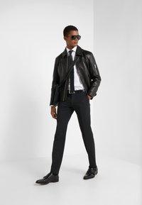Michael Kors - PARMA SLIM FIT SOLID - Camicia elegante - white - 1