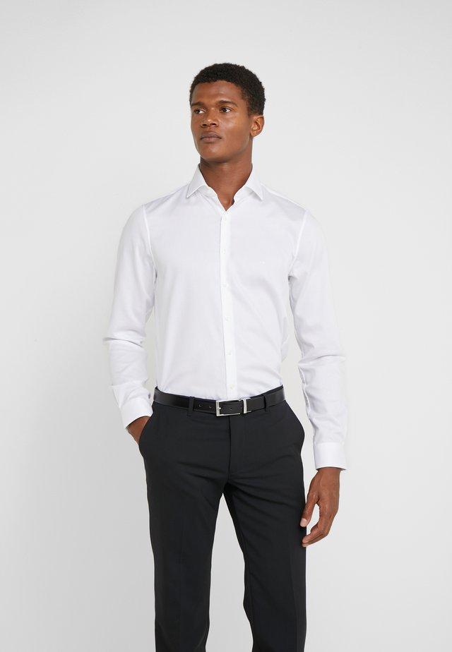 PARMA SLIM FIT SOLID - Business skjorter - white