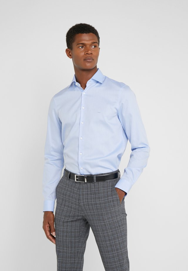 PARMA SLIM FIT SOLID - Camisa elegante - light blue