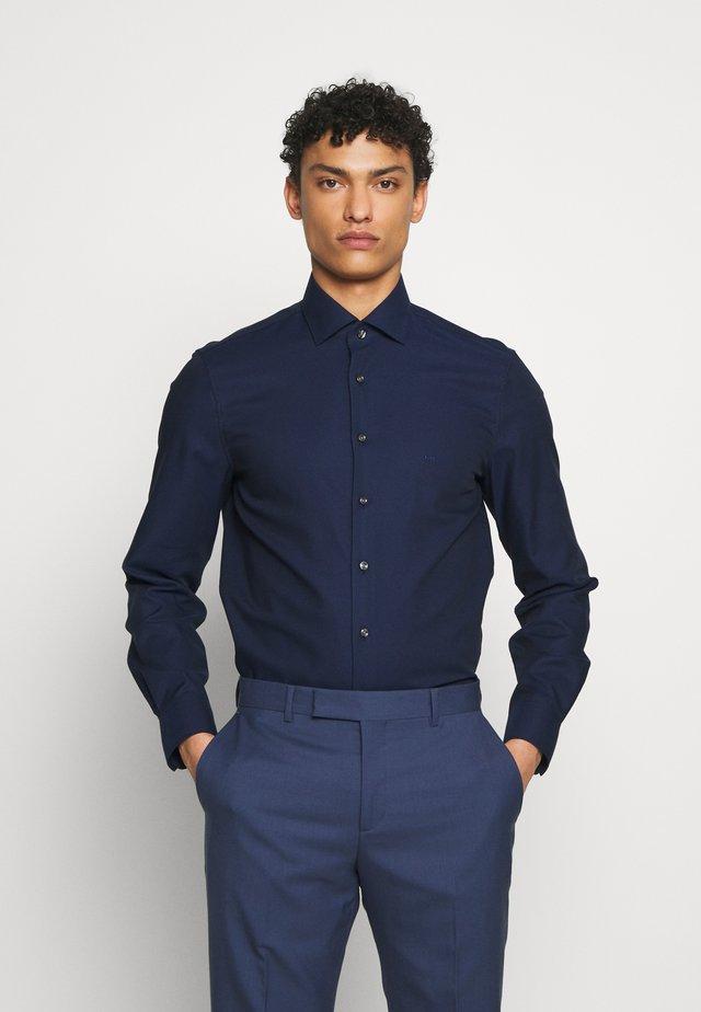 PARMA MODERN FIT - Kostymskjorta - navy