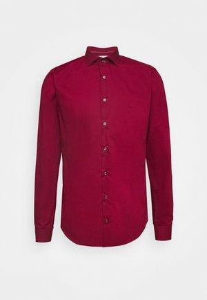 POPLIN SLIM - Camicia elegante - rumba red