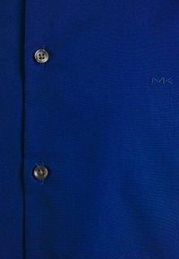 Michael Kors - POPLIN SLIM - Zakelijk overhemd - royal blue - 2