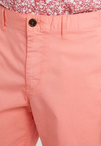Michael Kors - STRETCH  - Shorts - sea coral - 4