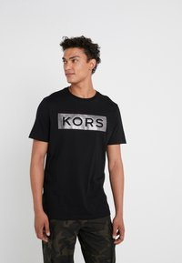 Michael Kors - Camiseta estampada - black - 0