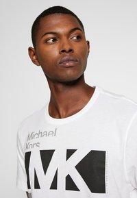 Michael Kors - CITY TEE - T-shirt con stampa - white - 3