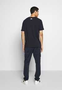 Michael Kors - SCATTERED LOGO TEE - T-shirt con stampa - dark midnight - 2