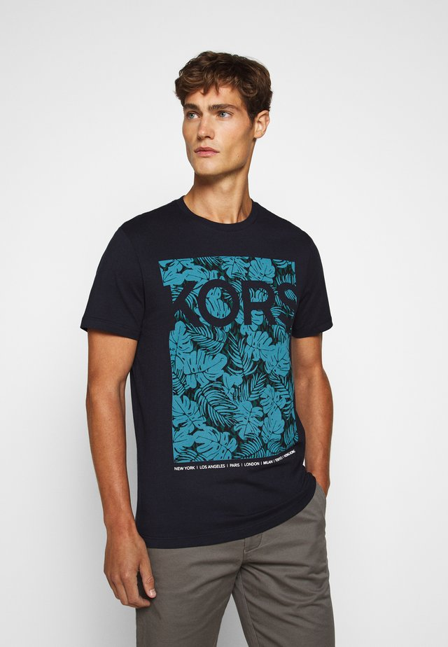 PALM TEE - Print T-shirt - dark midnight