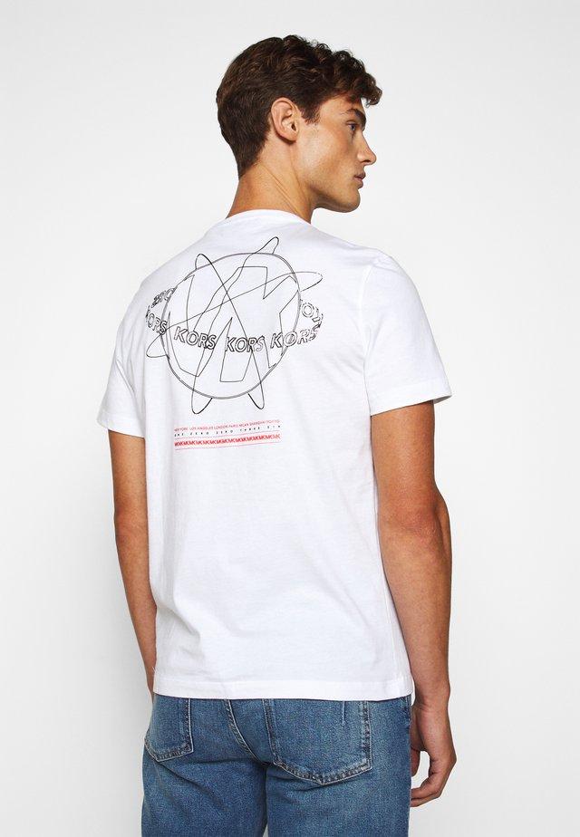 GLOBE TEE - T-shirt med print - white
