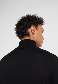Michael Kors - T NECK - Pullover - black - 4