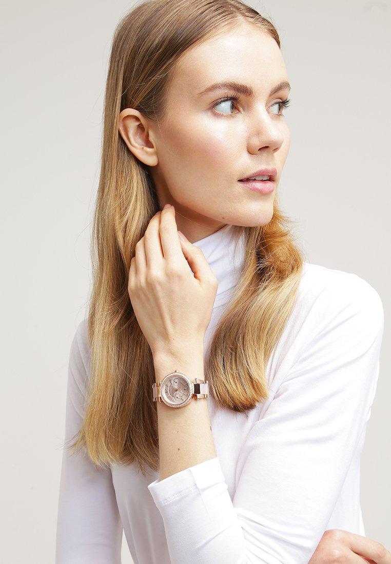 Michael Kors - MINI PARKER - Watch - roségold/puder