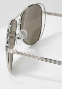 Michael Kors - Sonnenbrille - silver - 2