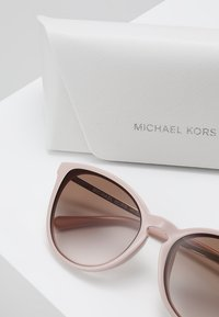 Michael Kors - CHAMONIX - Okulary przeciwsłoneczne - rose water - 2