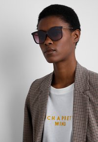 Michael Kors - Sunglasses - mauve - 1