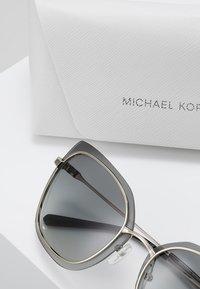 Michael Kors - PHUKET - Occhiali da sole - shiny pale gold-coloured - 2