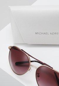 Michael Kors - ANTIGUA - Sonnenbrille - shiny rose gold-coloured - 2