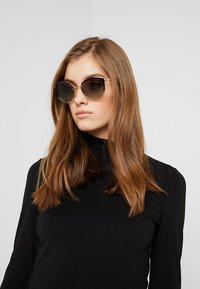 Michael Kors - KEY BISCAYNE - Sunglasses - gold-coloured - 1
