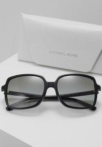 Michael Kors - Solbriller - black - 4