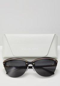 Michael Kors - Sonnenbrille - black - 3