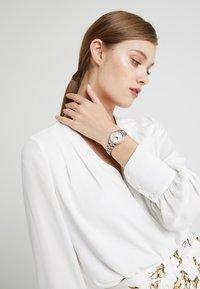 Michael Kors - LAURYN - Reloj - roségold-coloured/silver-coloured - 0