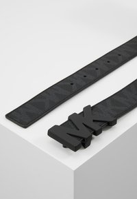 Michael Kors - HARDWARE BELT - Cinturón - black - 2