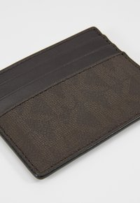 Michael Kors - TALL CARD CASE - Business card holder - brown