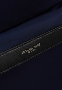 Michael Kors - BACKPACK - Tagesrucksack - indigo - 6