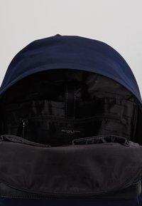 Michael Kors - BACKPACK - Tagesrucksack - indigo - 4