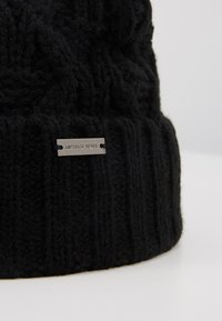 Michael Kors - CABLE CUFF HAT - Beanie - black - 5