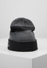 Michael Kors - BOTTOM STRIPE LOGO CUFF HAT - Mütze - charcoalmelange/ash melange/black - 2