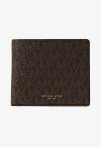 Michael Kors - GREYSON BILLFOLD COIN POCKET - Portemonnee - brown/black - 1