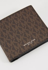 Michael Kors - GREYSON BILLFOLD COIN POCKET - Portemonnee - brown/black - 2