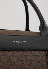 Michael Kors - DUFFLE - Holdall - brown/black - 2