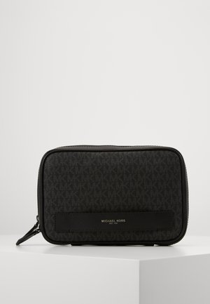 TRAVEL CASE - Wash bag - black