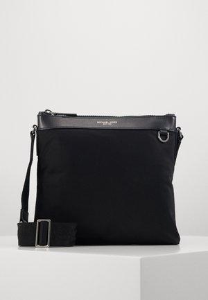 FLAT CROSSBODY - Across body bag - black